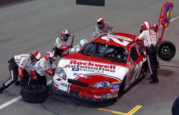 12-13 May, 2006, Darlington Raceway,USA Denny Hamlin Busch Series pitstop.Copyright©LAT South, LAT Photographic