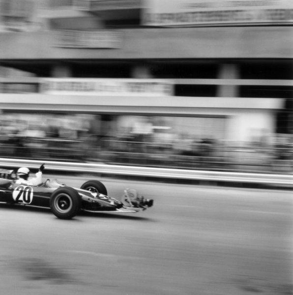 "1966 Monaco Grand Prix.Monte Carlo, Monaco. 22 May 1966.Phil Hill, Lotus 25-Climax, did not start, in the camera car for ""Grand Prix"", action.World Copyright: LAT PhotographicRef: 34126"
