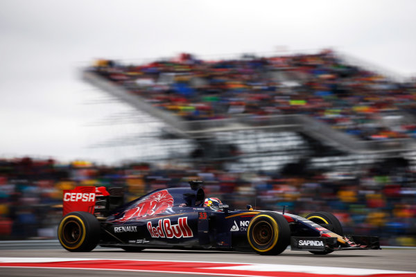 Circuit of the Americas, Austin, Texas, United States of America.  Sunday 25 October 2015. Max Verstappen, Toro Rosso STR10 Renault. World Copyright: Glenn Dunbar/LAT Photographic ref: Digital Image _W2Q5035