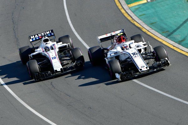 Charles Leclerc (MON) Alfa Romeo Sauber C37 and Sergey Sirotkin (RUS) Williams FW41 battle