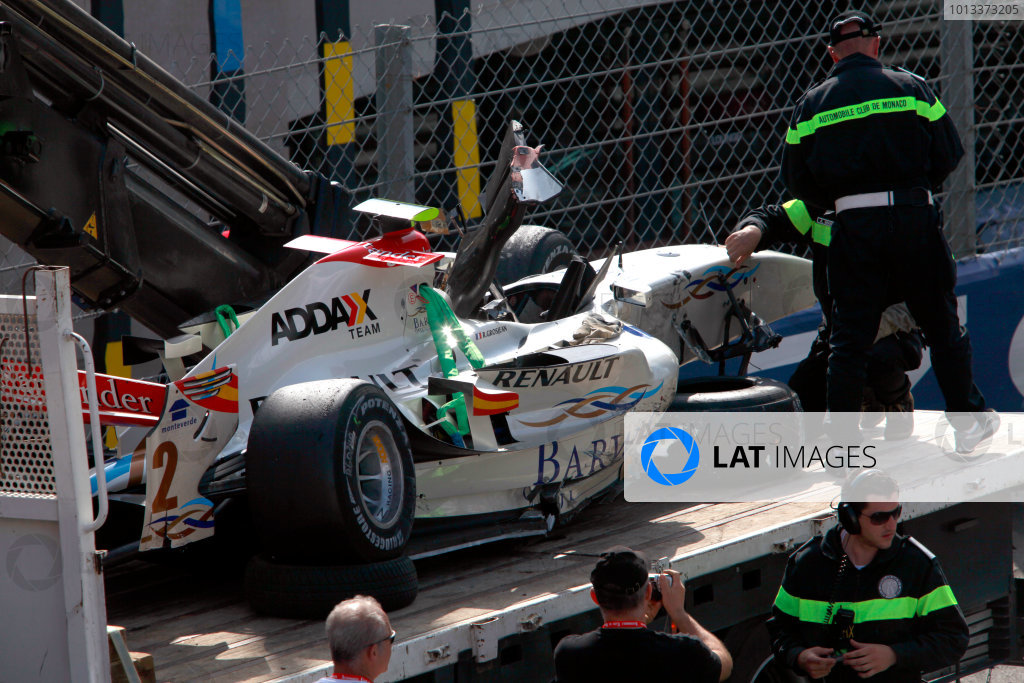 Saturday Race. 23rd May 2009. Romain Grosjean (FRA, Barwa International Campos Team) damaged car. World Copyright: Andrew Ferraro / GP2 Series Media Service.Ref: _MG_4516 jpg