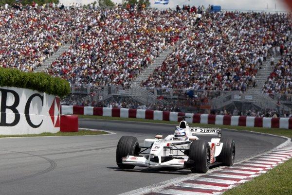 2002 Canadian Grand Prix - RaceMontreal, Canada. 9th June 2002Olivier Panis (BAR 004-Honda).World Copyright: Steve Etherington/LATref: Digital Image Only