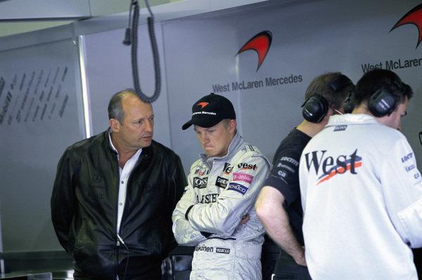 Kimi Räikkönen with Ron Dennis in the McLaren garage.