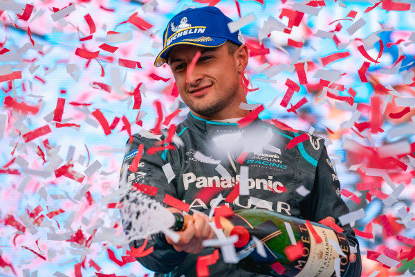 Mitch Evans (NZL), Panasonic Jaguar Racing celebrates with champagne on the podium