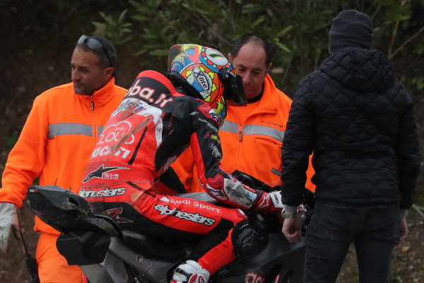 Chaz Davies, Aruba.it Racing-Ducati SBK Team after crash.