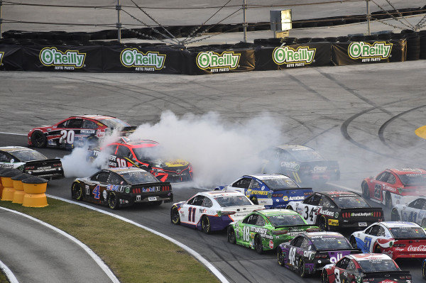 #19: Martin Truex Jr., Joe Gibbs Racing, Toyota Camry Bass Pro Shops spins