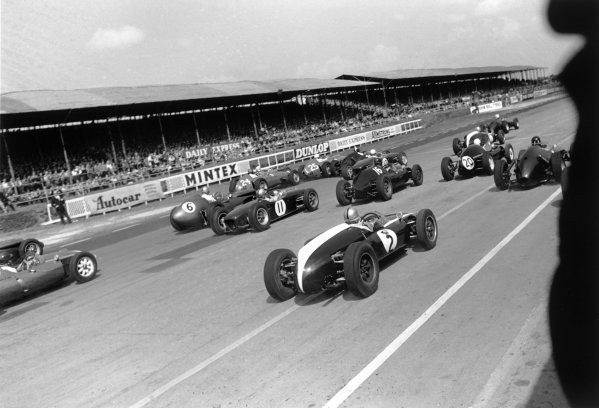 1960 International Trophy. Silverstone, England. 14th May 1960. Start of the race with Alan Stacey (Lotus 18 - Climax), 4th position, in the middle, action.  World Copyright: LAT Photographic. Ref: 8623D - 12A-13.