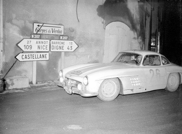 1956 Monte Carlo Rally. Salvador Fabregas (Mercedes-Benz 300SL). Ref-Motor 774/34. World Copyright - LAT Photographic