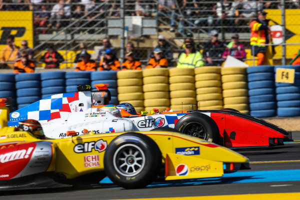 Le Mans (FRA) SEPT 25-27 2015 - World Series by Renault 2015 at the Bugatti circuit of Le Mans. Oliver Rowland #4 Fortec, in a sandwich between Sean Galeal #25 Jagonya Ayam with Carlin and Roy Nissany #17 Tech 1 Racing. Action. © 2015 Diederik van der Laan  / Dutch Photo Agency / LAT Photographic