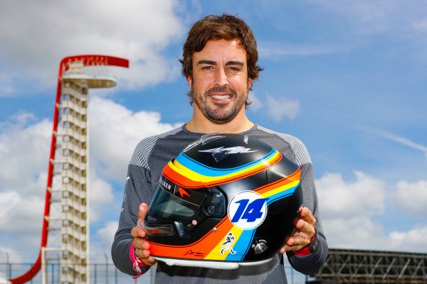 Circuit of the Americas, Austin, Texas, United States of America. Thursday 19 October 2017. Fernando Alonso, McLaren, with his Indy 500 themed helmet. World Copyright: Steven Tee/LAT Images  ref: Digital Image _O3I1283