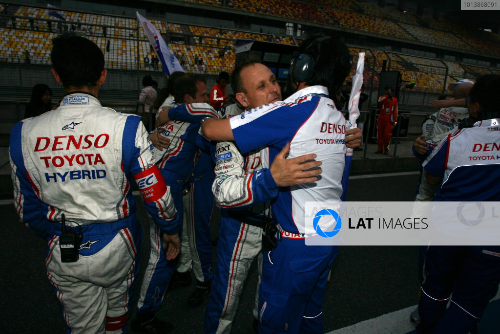 Shanghai, China. 25th -2 Toyota. World Copyright: Ebrey/LAT Photographic.