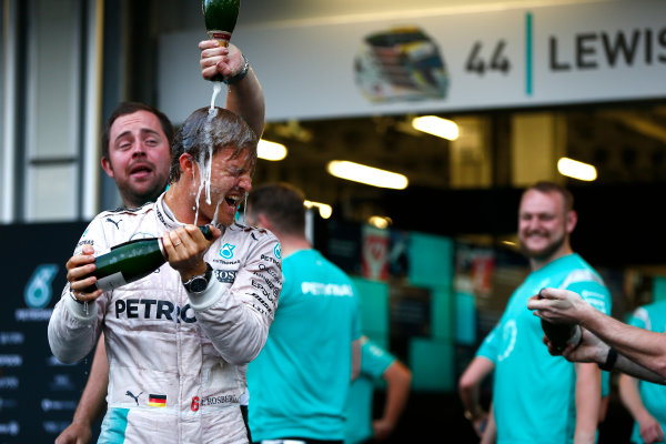 Baku City Circuit, Baku, Azerbaijan. Sunday 19 June 2016. Nico Rosberg, Mercedes AMG celebrates with his team after winning the race. World Copyright: Andrew Hone/LAT Photographic ref: Digital Image _ONY1928