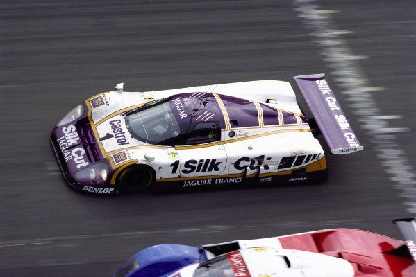 Jan Lammers / Patrick Tambay / Andrew Gilbert-Scott, Silk Cut Jaguar, Jaguar XJR-9 LM.