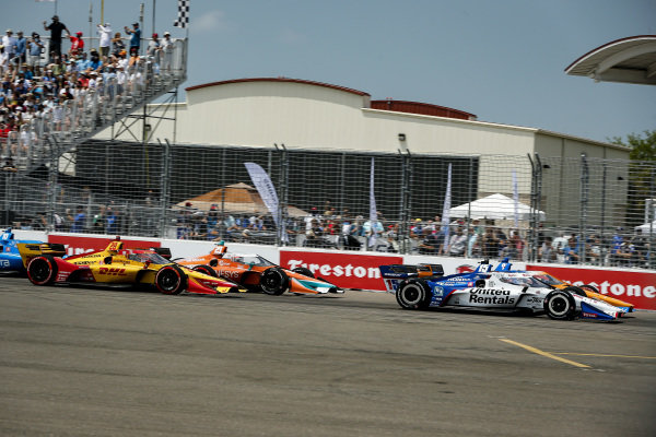 #15: Graham Rahal, Rahal Letterman Lanigan Racing Honda, #9: Scott Dixon, Chip Ganassi Racing Honda, #29: James Hinchcliffe, Andretti Steinbrenner Autosport Honda, and #28: Ryan Hunter-Reay, Andretti Autosport Honda
