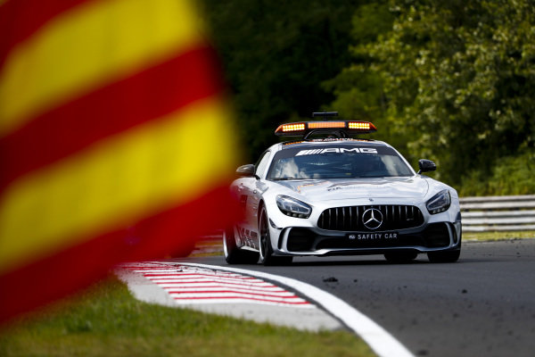 HUNGARORING, HUNGARY - AUGUST 03: Safety Car leads the pack during the Hungaroring at Hungaroring on August 03, 2019 in Hungaroring, Hungary. (Photo by Sam Bloxham / LAT Images / FIA F2 Championship)
