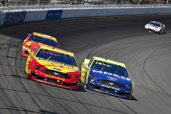 #22: Joey Logano, Team Penske, Ford Mustang Shell Pennzoil, #12: Ryan Blaney, Team Penske, Ford Mustang Menards/Moen, #42: Kyle Larson, Chip Ganassi Racing, Chevrolet Camaro McDonald's