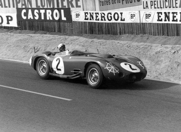 1957 Le Mans 24 hours.Le Mans, France. 22-23 June 1957.Jean Behra/Andre Simon (Maserati 450S Spyder), retired, action.World Copyright: LAT PhotographicRef: 459#12-12a