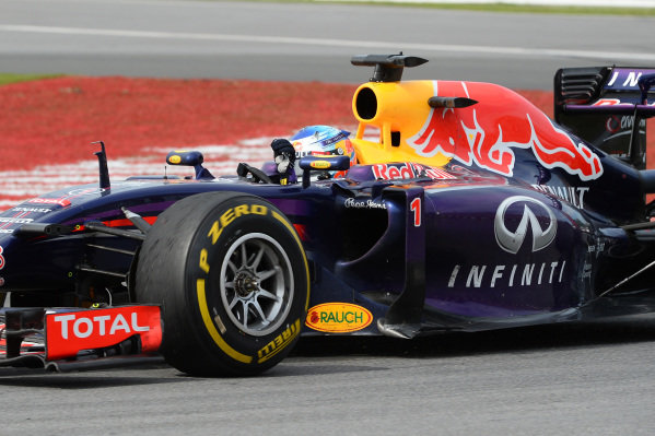 Sebastian Vettel (GER) Red Bull Racing RB10 waves to the crowd. Formula One World Championship, Rd7, Canadian Grand Prix, Race Day, Montreal, Canada, Sunday 8 June 2014.  BEST IMAGE