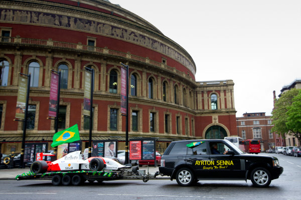 2014 Ayrton Senna Tribute. Royal Albert Hall, Kensington Gore, London. 1st May 2014. Peter Ratcliffe parades a replica 1993 Ayrton Senna McLaren around the streets of London. World Copyright: Alastair Staley / LAT Photographic. Ref: _R6T0405.jpg