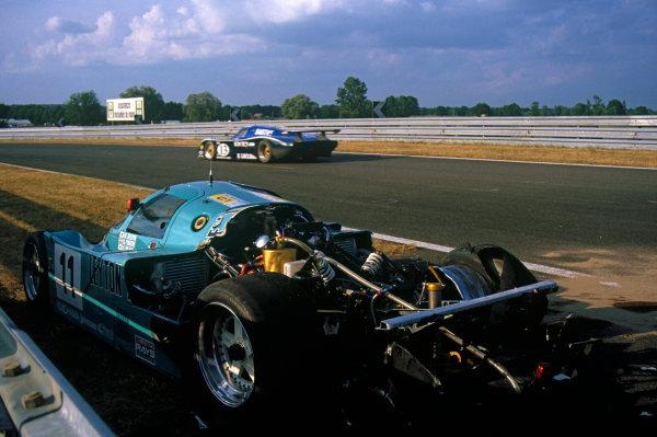 Le Mans, France. 10th - 11th June 1989.George Fouche/Hideki Okada/Masanori Sekiya (Porsche 962C), retired, action. World Copyright: LAT Photographic.Ref:  89LM11.