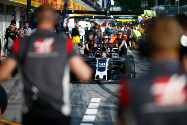 Hungaroring, Budapest, Hungary.  Thursday 27 July 2017. Haas mechanics conduct a practice pit stop. World Copyright: Andy Hone/LAT Images  ref: Digital Image _ONZ8053