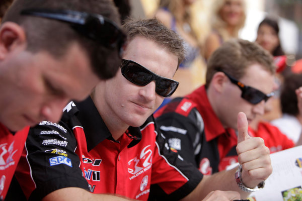 Clipsal 500, Adelaide Street Circuit.Australia. 19th - 22nd March 2009Will Davison of the Holden Racing Team during the Clipsal 500, Event 1 of the Australian V8 Supercar Championship Series at the Adelaide Parklands Race Circuit , Adelaide, South Australia, March 18, 2009.World Copyright: Mark Horsburgh/LAT Photographicref: Digital Image V8_Clipsal500_092310