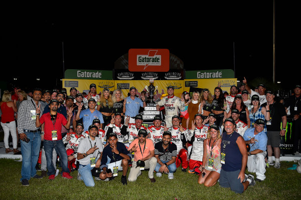 Monster Energy NASCAR Cup Series Bojangles' Southern 500 Darlington Raceway, Darlington, SC USA Sunday 3 September 2017 Denny Hamlin, Joe Gibbs Racing, Sport Clips Toyota Camry wins. World Copyright: Rusty Jarrett LAT Images