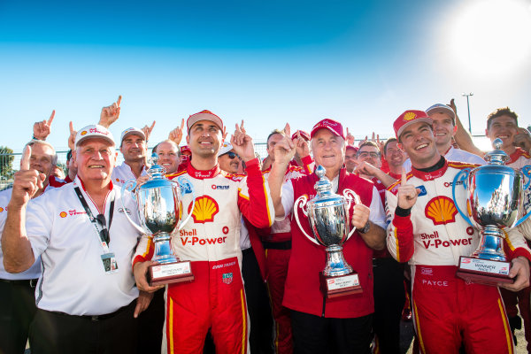 2017 Supercars Championship Round 4.  Perth SuperSprint, Barbagallo Raceway, Western Australia, Australia. Friday May 5th to Sunday May 7th 2017. Dick Johnson team owner of DJR Team Penske, Fabian Coulthard driver of the #12 Shell V-Power Racing Team Ford Falcon FGX, Roger Penske team owner of DJR Team Penske, Scott McLaughlin driver of the #17 Shell V-Power Racing Team Ford Falcon FGX.  World Copyright: Daniel Kalisz/LAT Images Ref: Digital Image 060517_VASCR4_DKIMG_3993.JPG