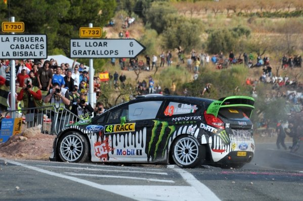 Ken Block (USA), Ford Fiesta RS WRC, on stage 7.
