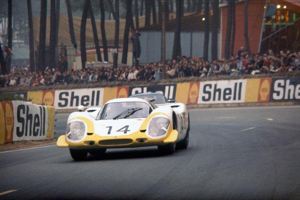 Le Mans, France. 14 - 15 June 1969 Rolf Stommelen/Kurt Ahrens (Porsche 917LH), retired, action. World Copyright: LAT Photographic Ref:  69LM09.
