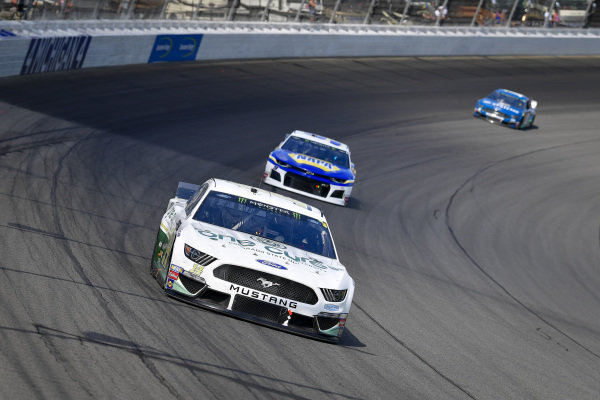 #14: Clint Bowyer, Stewart-Haas Racing, Ford Mustang One Cure, #9: Chase Elliott, Hendrick Motorsports, Chevrolet Camaro NAPA AUTO PARTS, #17: Ricky Stenhouse Jr., Roush Fenway Racing, Ford Mustang Fastenal