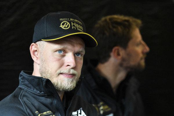 Kevin Magnussen, Haas F1, and Romain Grosjean, Haas F1