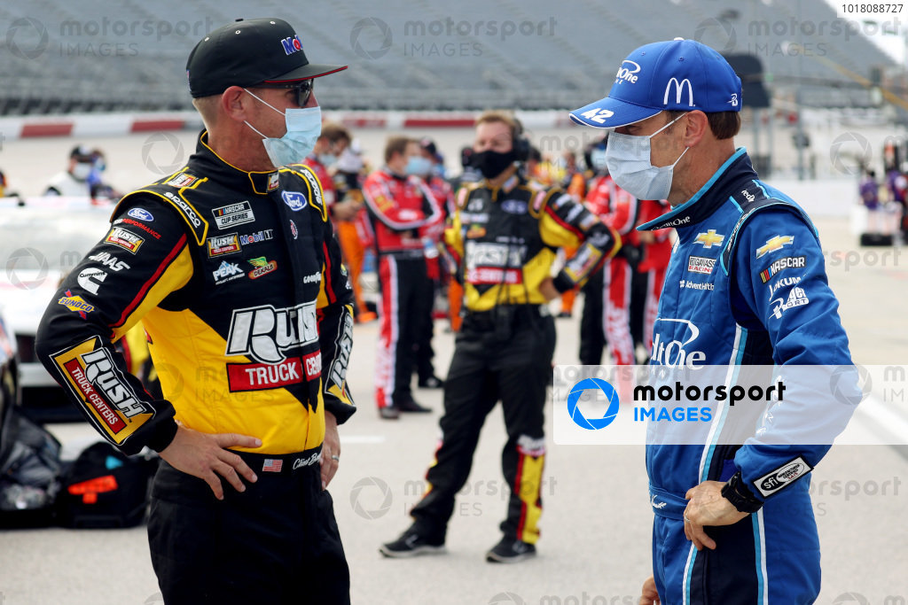 Clint Bowyer, Stewart-Haas Racing Ford Mustang Rush Trucking/Mobil 1 Ford, Matt Kenseth, Chip Ganassi Chevrolet, Credit One Bank Copyright: Chris Graythen/Getty Images.