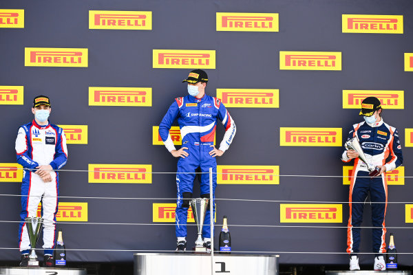 David BECKMAN (DEU, TRIDENT MOTORSPORT), Race Winner Alexander Smolvar (RUS, ART GRAND PRIX) and Clement Novalak (GBR, CARLIN BUZZ RACING) on the podium