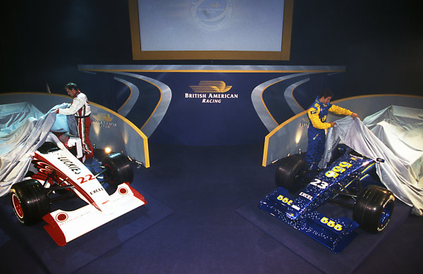Jacques Villeneuve (CDN) and Riccardo Zonta (BRA) at British American Racing Launch, BAR Factory, Brackley, England, 6 January 1999.