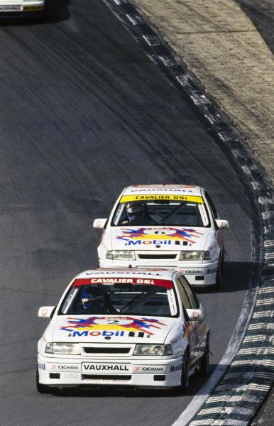 John Cleland, Vauxhall Sport, Vauxhall Cavalier, leads Jeff Allam, Vauxhall Sport, Vauxhall Cavalier.