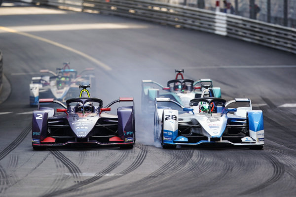 Antonio Felix da Costa (PRT), BMW I Andretti Motorsports, BMW iFE.18 passes Sam Bird (GBR), Envision Virgin Racing, Audi e-tron FE05