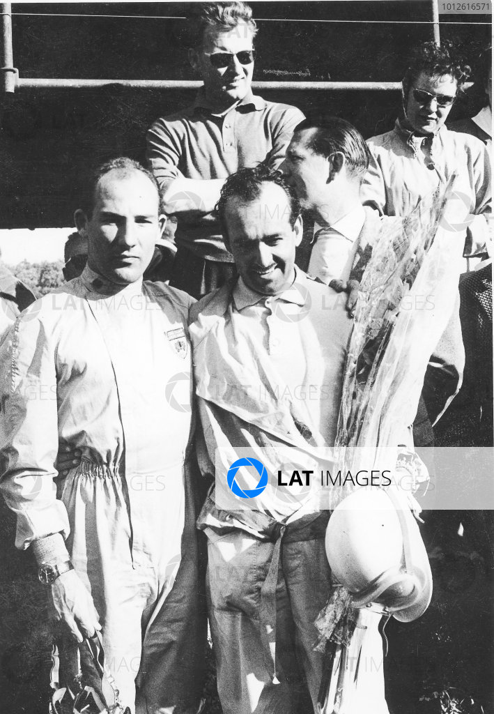 Stirling Moss and Maurice Trintignant (right).World Copyright - LAT Photographic