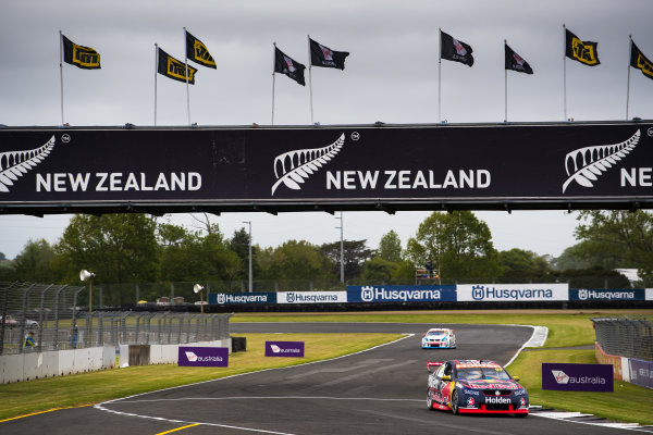 2017 Supercars Championship Round 14.  Auckland SuperSprint, Pukekohe Park Raceway, New Zealand. Friday 3rd November to Sunday 5th November 2017. Shane van Gisbergen, Triple Eight Race Engineering Holden.  World Copyright: Daniel Kalisz/LAT Images  Ref: Digital Image 031117_VASCR13_DKIMG_0180.jpg