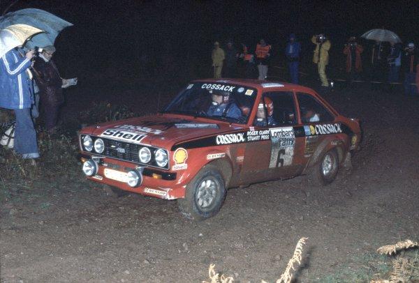 1976 Lombard RAC Rally.Bath, Great Britain. 27-30 November 1976.Roger Clark/Stuart Pegg (Ford Escort RS1800), 1st position.World Copyright: LAT PhotographicRef: 35mm transparency 76RAC01