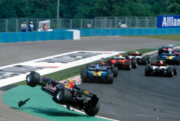 2005 Hungarian Grand Prix. Hungaroring, Hungary. 29th - 31st July 2005 Christian Klien, Red Bull Racing Cosworth RB1 retires from the race after his opening lap accident. Action. World Copyright: Charles Coates/LAT Photographic Ref: 35mm Image A13