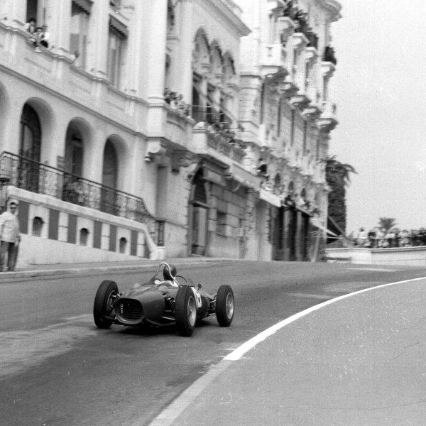 1961 Monaco Grand Prix.Monte Carlo, Monaco.11-14 May 1961.Richie Ginther (Ferrari 156) 2nd position.Ref-8649.World Copyright - LAT Photographic