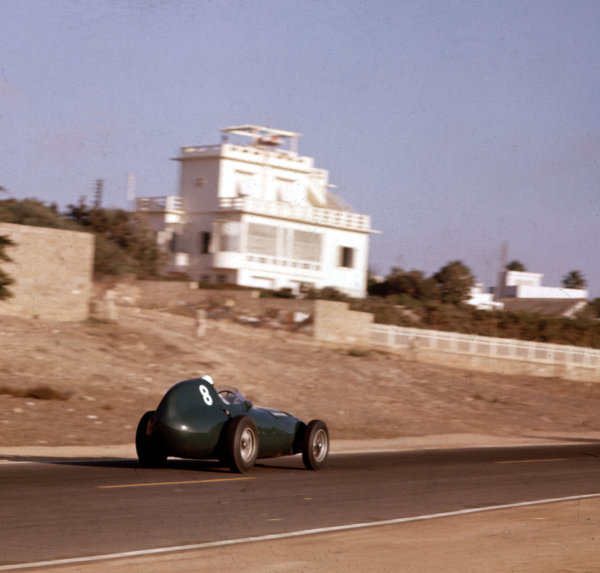 1958 Moroccan Grand Prix.Ain-Diab, Casablanca, Morocco.17-19 October 1958.Stirling Moss (Vanwall VW5) 1st position.Ref-3/0125.World Copyright - LAT Photographic