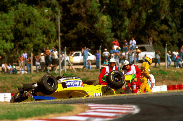Buenos Aires, Argentina. 5-7 April 1996.Luca Badoer (Forti FG01 95B Ford) crashed spectacularly as his car overturned in the air. Ref-96 ARG 04.World Copyright - Griffiths/LAT Photographic