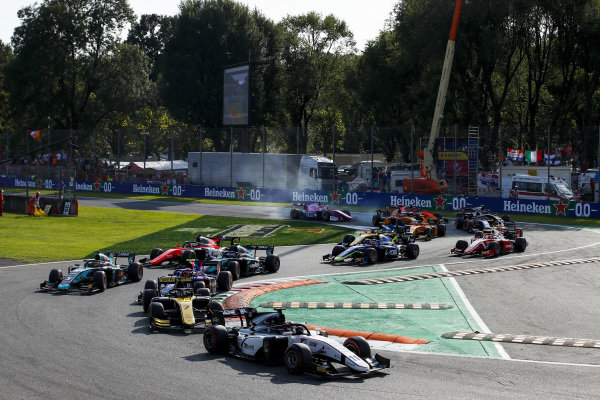 AUTODROMO NAZIONALE MONZA, ITALY - SEPTEMBER 07: Callum Ilott (GBR, SAUBER JUNIOR TEAM BY CHAROUZ) leads Guanyu Zhou (CHN, UNI VIRTUOSI), Nobuharu Matsushita (JPN, CARLIN) and Sergio Sette Camara (BRA, DAMS) at the start of the race during the Monza at Autodromo Nazionale Monza on September 07, 2019 in Autodromo Nazionale Monza, Italy. (Photo by Joe Portlock / LAT Images / FIA F2 Championship)