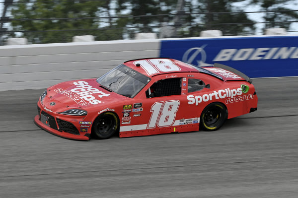 #18: Denny Hamlin, Joe Gibbs Racing, Toyota Supra SportClips