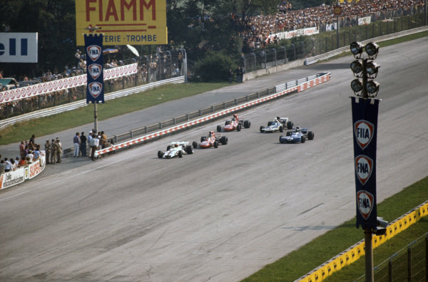 Jo Siffert, BRM P160 leads Ronnie Peterson, March 711 Ford, François Cevert, Tyrrell 002 Ford, Andrea de Adamich, March 711 Alfa Romeo and Mike Hailwood, Surtees TS9 Ford.