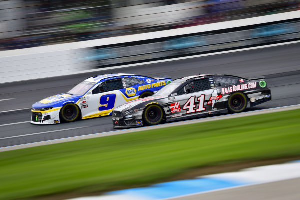 #9: Chase Elliott, Hendrick Motorsports, Chevrolet Camaro NAPA Auto Parts, #41: Cole Custer, Stewart-Haas Racing, Ford Mustang HaasTooling.com