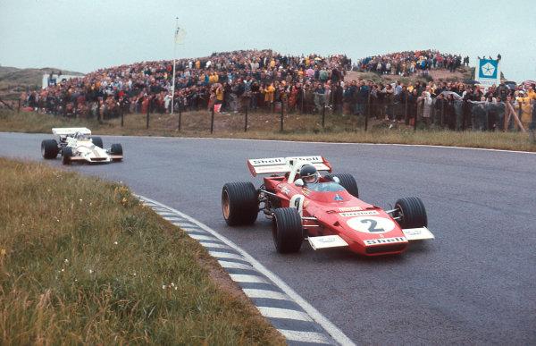 1971 Dutch Grand Prix.Zandvoort, Holland.18-20 June 1971.Jacky Ickx (Ferrari 312B2) 1st position followed by Pedro Rodriguez (BRM P160) 2nd position.Ref-71 HOL 09.World Copyright - LAT Photographic