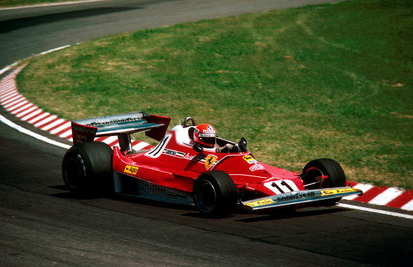 1977 Argentinian Grand Prix.Buenos AIres, Argentina.7-9 January 1977.Niki Lauda (Ferrari 312T2). He retired due to his fuel metering unit.Ref-77 ARG 15.World Copyright - LAT Photographic